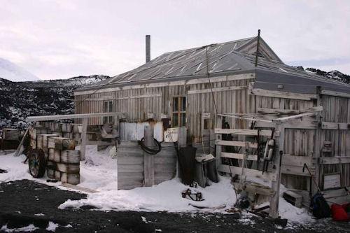 Shackleton_s-hut_-Cape-Royd