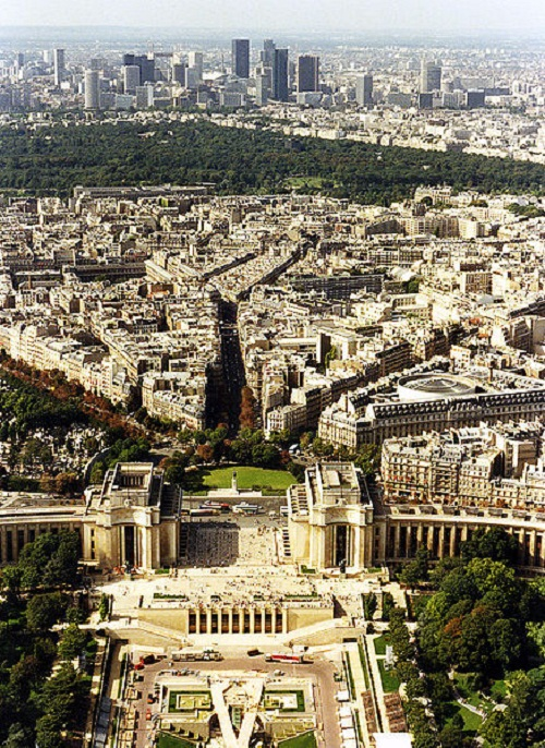 436px-Towards_Bois_de_Boulogne_and_La_Defense_from_the_Eiffel_Tower