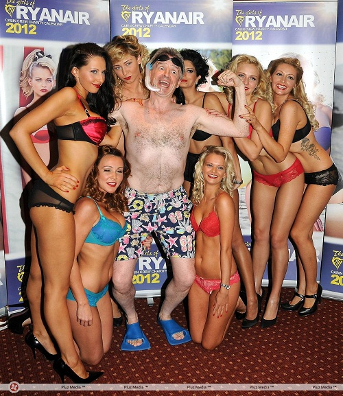 Ryanair_boss_Michael_O_Leary_strip_off_at_the_launch_of_Ryanair_2012_calendar-4873f8c80f5233c21bf7839f0fba3e9b