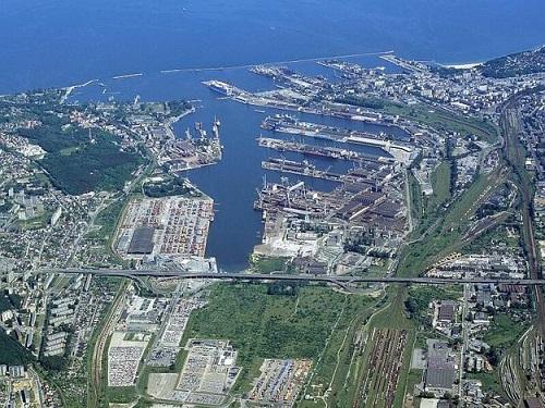 Port_w_Gdyni_ZMPG-a_S.A._625x0_rozmiar-niestandardowy