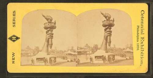 800px-collossal_hand_and_torch-_bartholdis_statue_of_liberty-_from_robert_n-_dennis_collection_of_stereoscopic_views