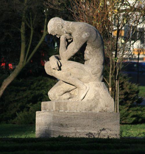 pomnik-upokorzonego-slupsk