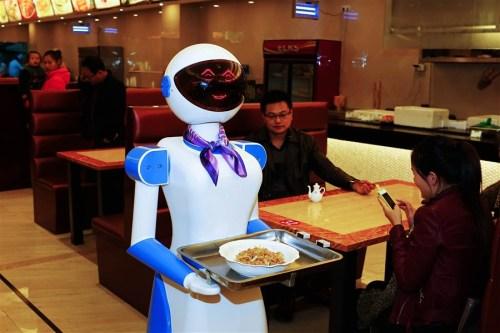 robot-w-restauracji